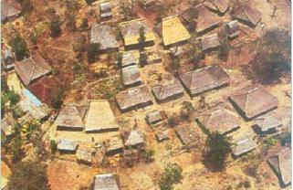 Contoh pola desa radial. (Sumber: Indonesian Heritage)